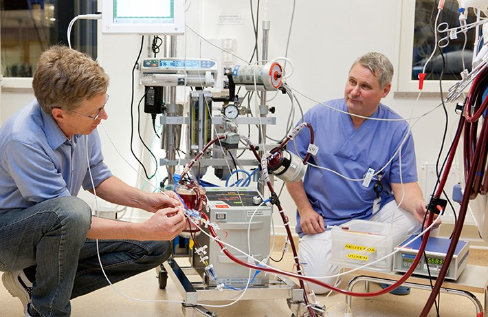 ECMO specialists at Karolinska saving lives throughout Scandinavia