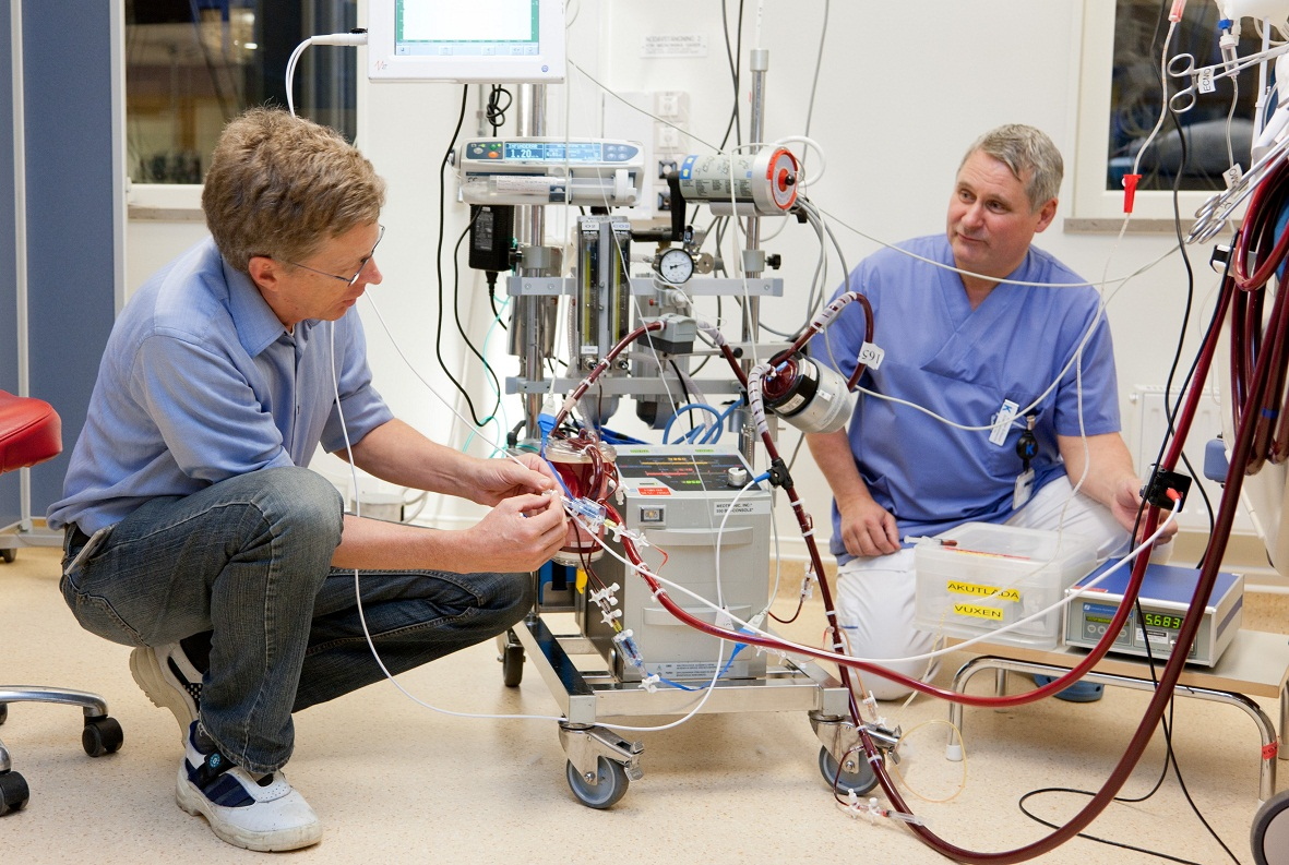 how to become an ecmo specialist